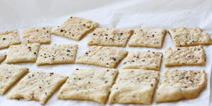 crackers, snacks & nibbles